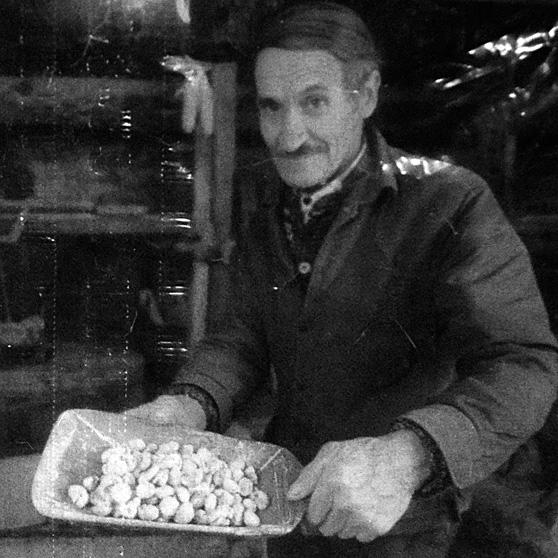 Domenico Mengozzi al lavoro nel suo mulino