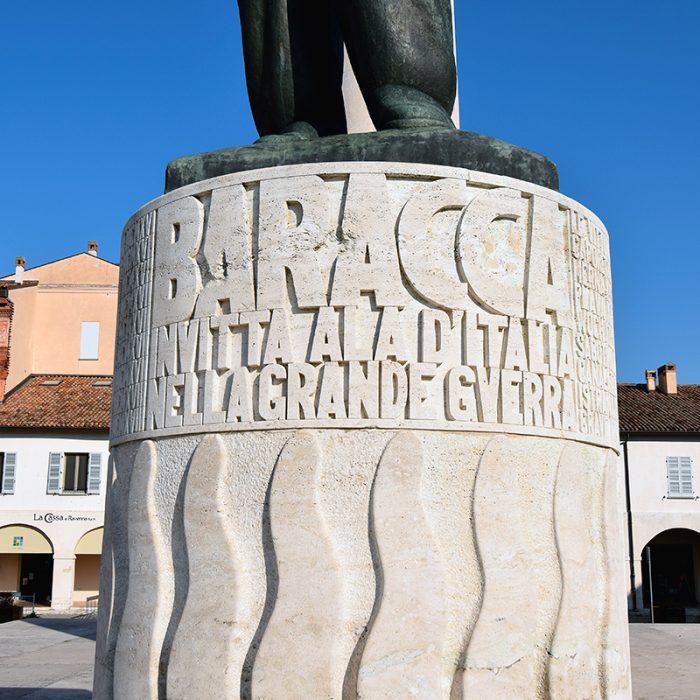 Il basamento del monumento a Francesco Baracca