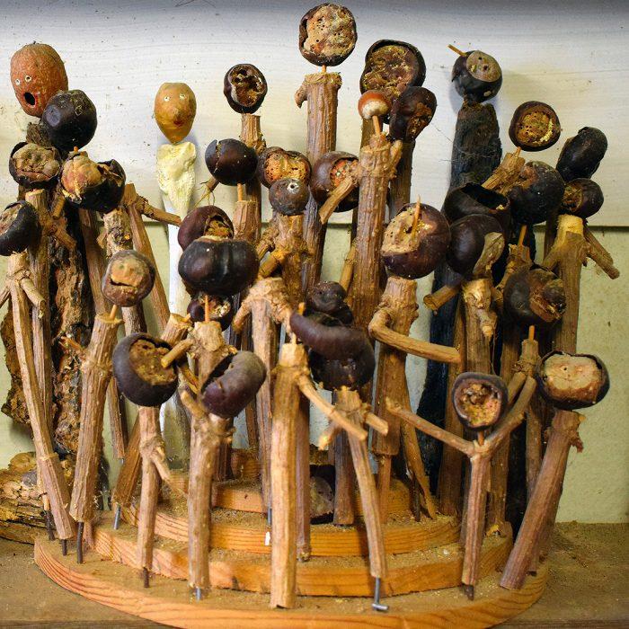 Museo Guatelli - Composizione di Ettore Guatelli (legno e castagne)