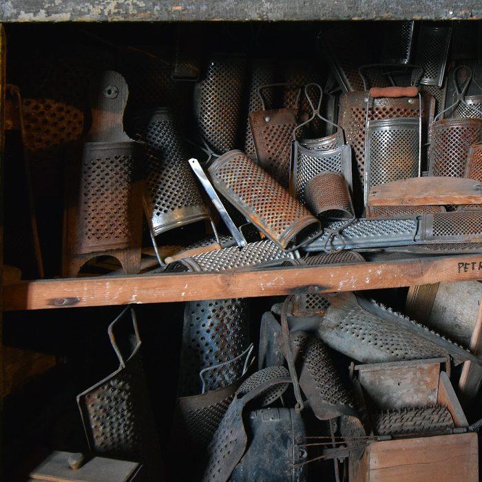 Museo Guatelli - Grattugie in cucina